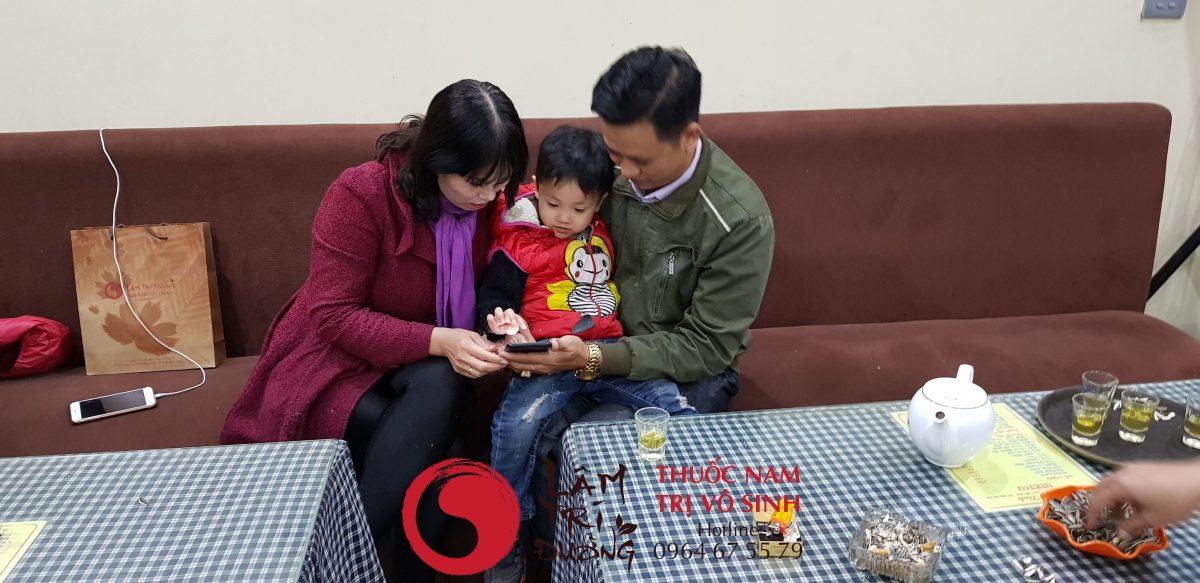 Biểu hiện vô sinh, ảnh chụp cùng mẹ con bệnh nhân trị thành công vô sinh hiếm muộn
