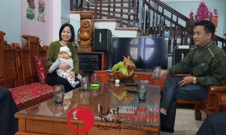 Khám vô sinh ở đâu, ảnh chụp cùng mẹ con bệnh nhân trị vô sinh hiếm muộn thành công