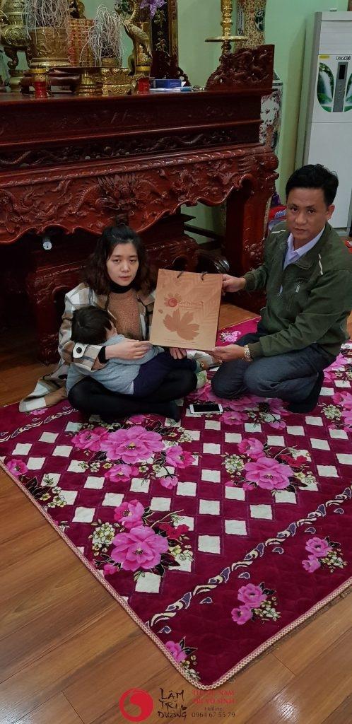 không đều có gây vô sinh hay không , Ảnh chụp cùng bệnh nhân điều trị vô sinh hiếm muộn tại Lâm Trí Đường