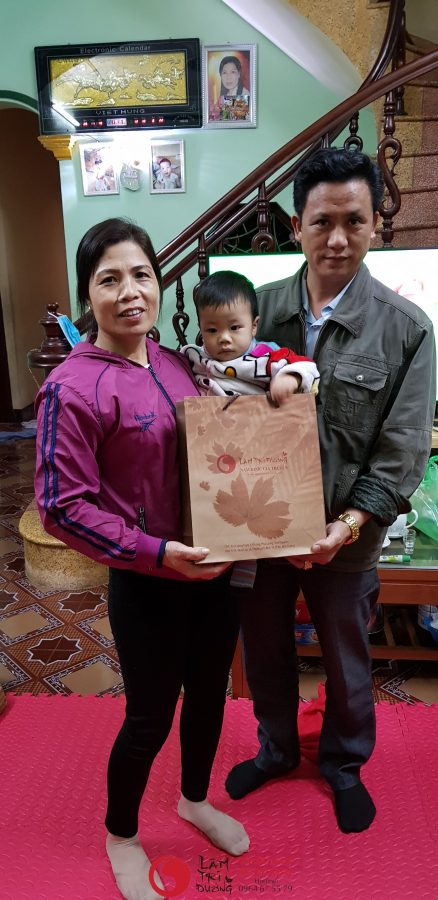 Ảnh chụp cùng bệnh nhân điều trị vô sinh hiếm muộn tại Lâm Trí Đường