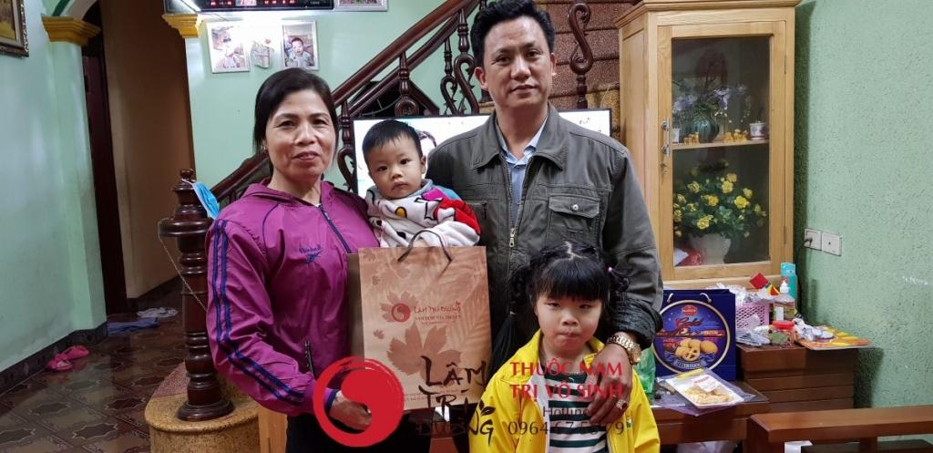 Chẩn đoán vô sinh nữ, ảnh chụp cùng gia đình bệnh nhân vô sinh