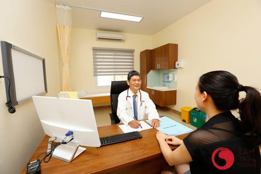 Lương y - bác sĩ chữa hiếm muộn giỏi sẽ tư vấn kỹ lưỡng để đảm bảo quyền lợi cho người bệnh