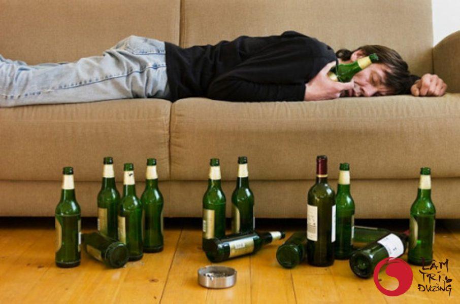 Rượu bia là một trong những nguyên nhân gây bệnh vô sinh hiếm muộn